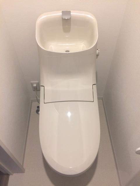 カルドのトイレは、ふたをして流す
